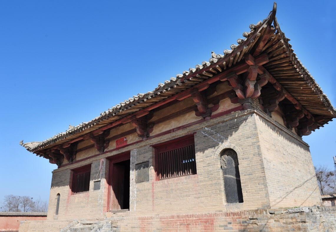 这体现了唐代建筑的特点,是我国现存唐代木结构古建筑的珍贵实例.