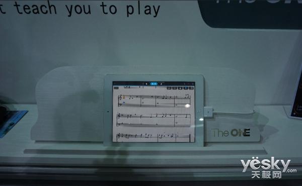 e ONE智能钢琴再亮相CES