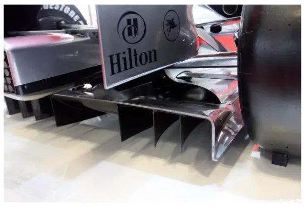另外减小气动升力还可从车头边角造型,发动机罩倾角,离地间隙,车底图片