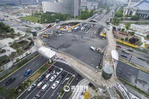 杭州树形天桥亮相 如古树交织成的空中花园