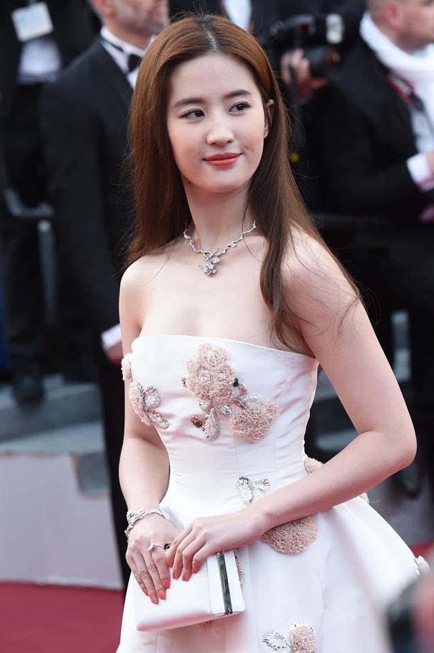 2016法国电影节举行红毯于当地动漫5月11日在戛纳戛纳开幕,图为刘亦菲哥斯拉电影系列的时间图片