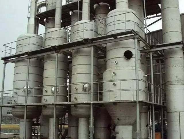 板式塔又有筛板塔,浮阀塔,泡罩塔,浮动喷射塔等多种形式,而填料塔也有图片