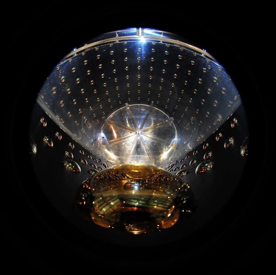 中微子9abz`'n_获奖作品  刘捷《中微子光电倍增管》 大亚湾中微子实验装置 刘捷