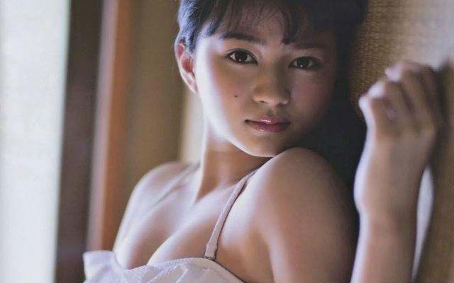 日本全透明泳装_日本美女泳衣性感写真图片壁纸