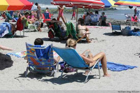 在美国性感一饱眼福比基尼性感的海滩翘PP_写真美女火辣那英图片