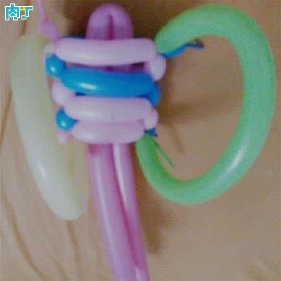 长条魔术气球制作教程 背带娃娃的做法图解