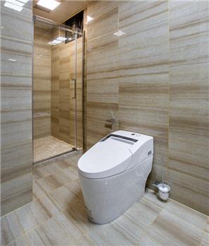 浴室 运用简一法国木纹2大理石瓷砖,使整个空间简洁精致,又有不规则