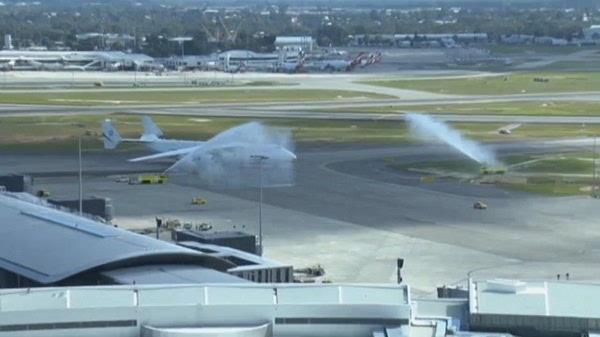 [视频]世界最大运输机安-225造访澳大利亚:吸引上万