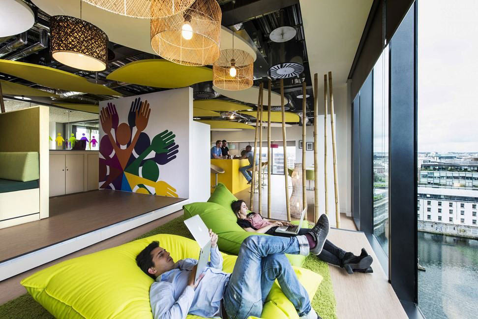 办公室装修效果图_来自谷歌欧洲总部的创意