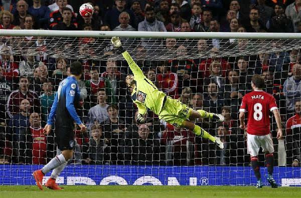 英超-曼联3-1无缘欧冠 英超赛季全部结束图片