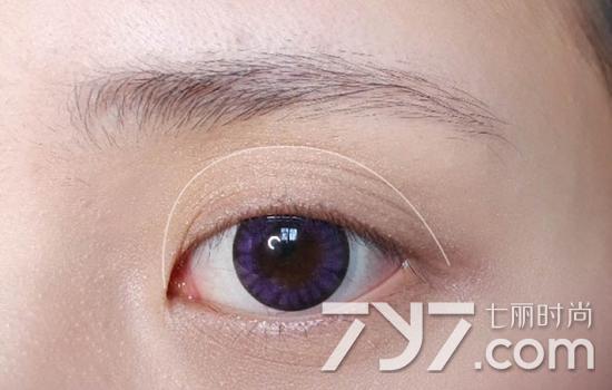 双色眼影的画法步骤图