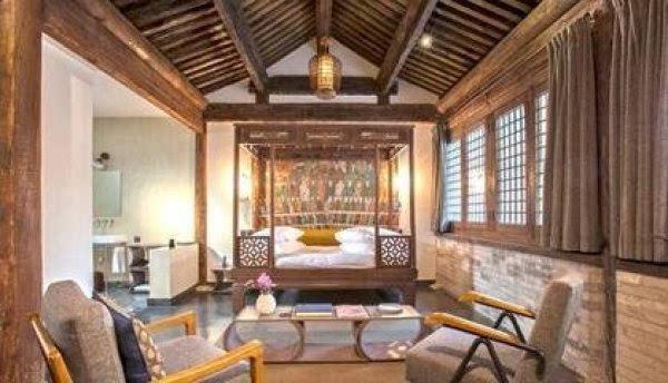 而中国北京的故宫等皇家木结构和砖木结构建筑亦经历数百年.
