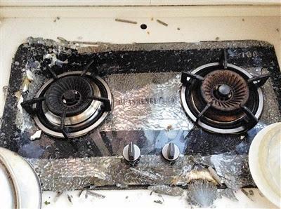 钢化玻璃面板发生爆裂