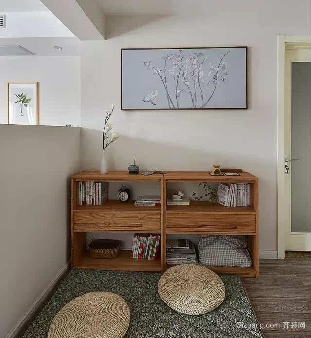 简约原木风效果图    客厅没有过多的装饰,简约原木风,轻松