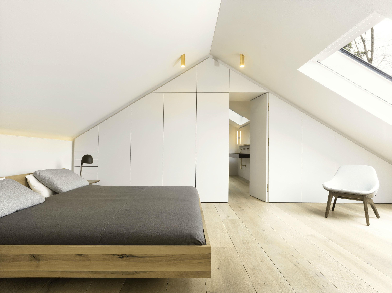 农村别墅客厅里宽敞的留白是隐者净化内心的渴望,随处可见的落地窗是