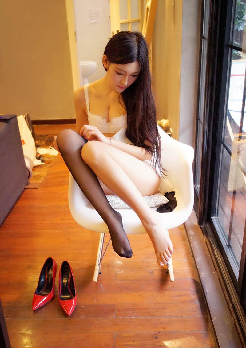 长腿平面模特沈梦瑶丝袜诱惑魅力写真