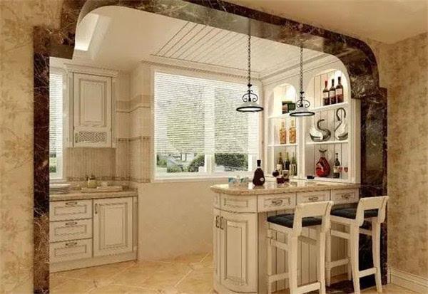 不规则的居室或小户型适合嵌入式,在凹入部分放入吧台,增加的实用图片