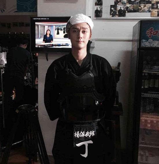 蒋劲夫模特变打手 粉丝:我要看武打夫!图片