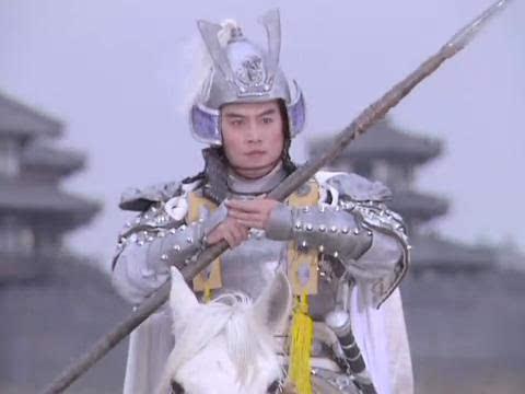 《三国演义》中,五虎将之一的赵云看上去似乎是个很精明的人物.