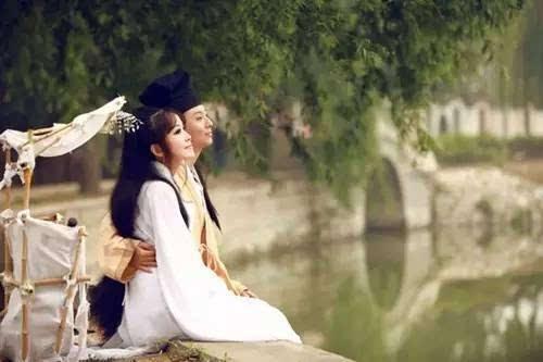 Image result for 百年修得同船渡,千年修来共枕眠。