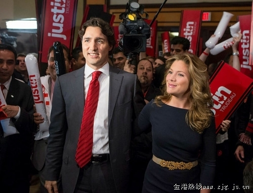 加拿大帅气总理G7峰会偷闲一天 与妻共庆结婚11年