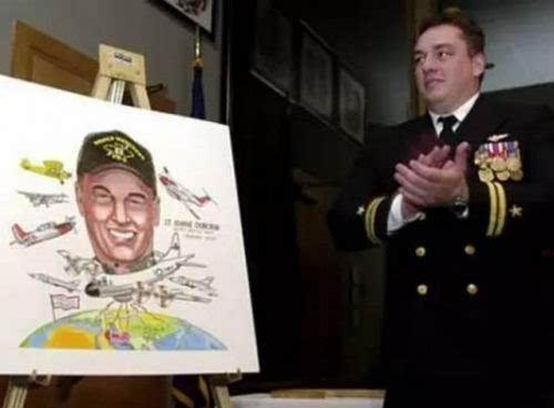 年南海撞机撞掉王伟的美军飞行员今何在