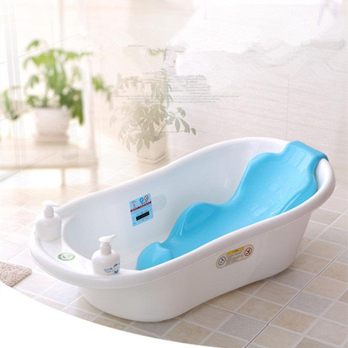 宝宝洗澡乖不乖,只在于一只洗澡盆的差别图片