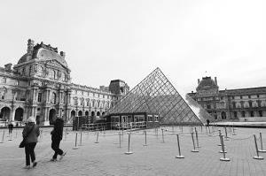 巴黎水灾,卢浮宫闭馆