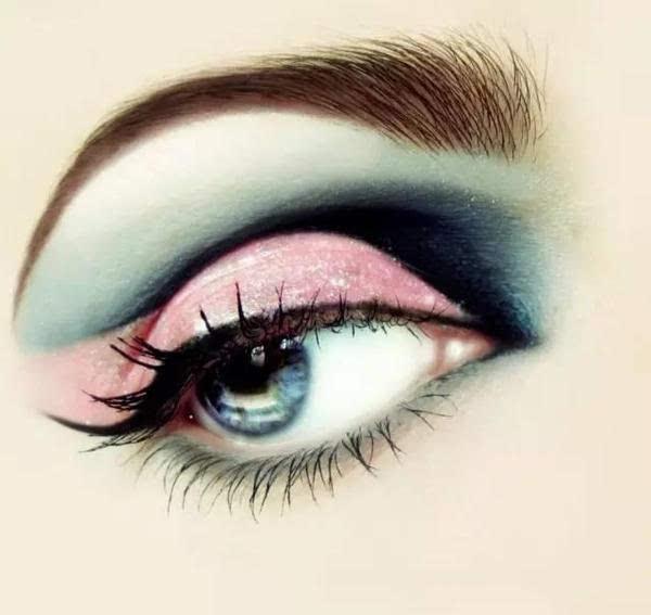 今天小编带大家看几款比较性感,比较有创意的眼影,你最喜欢哪一款?图片