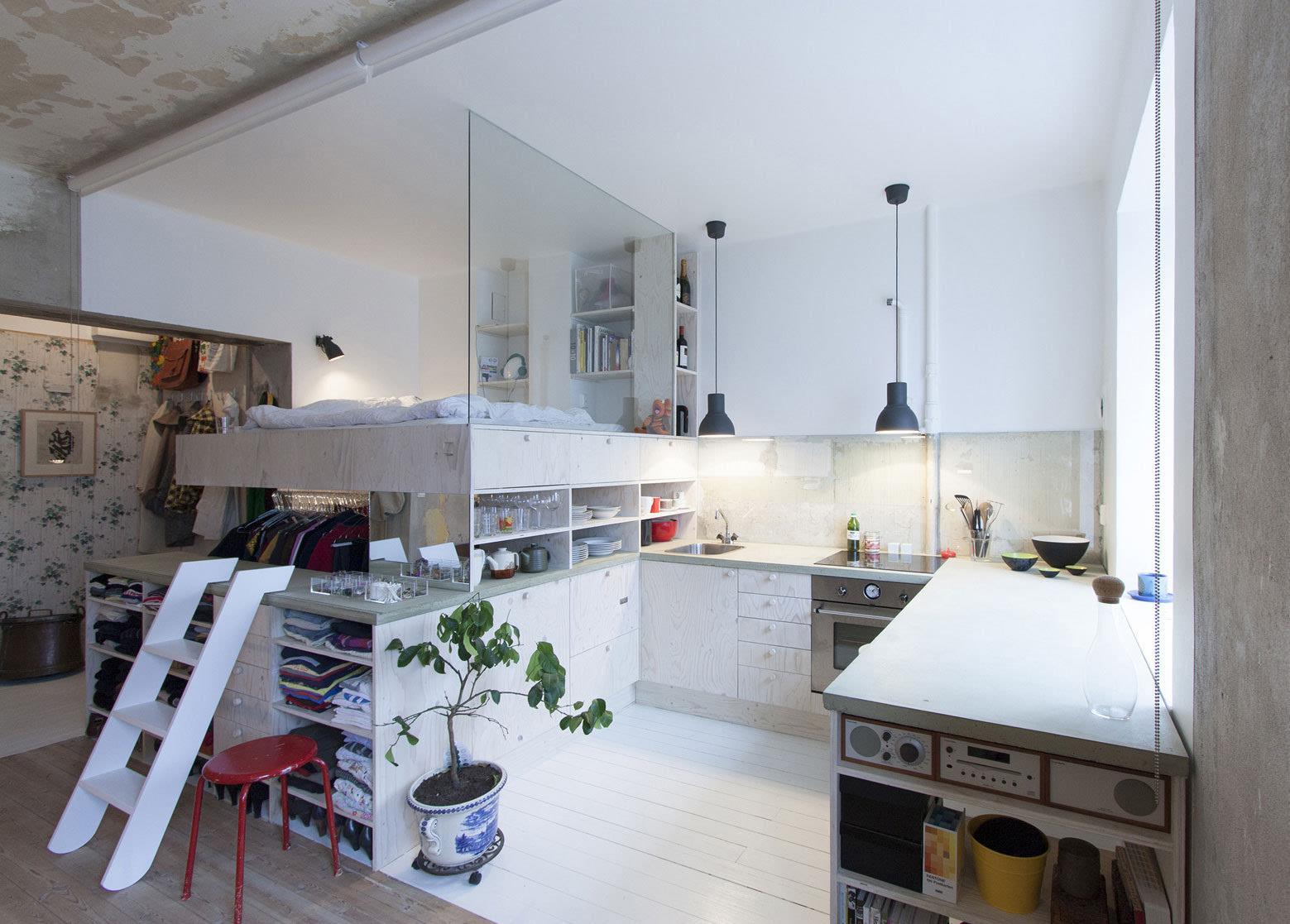 但是在这个45平米小户型装修案例中,设计师生动的告诉了我们:旧公寓