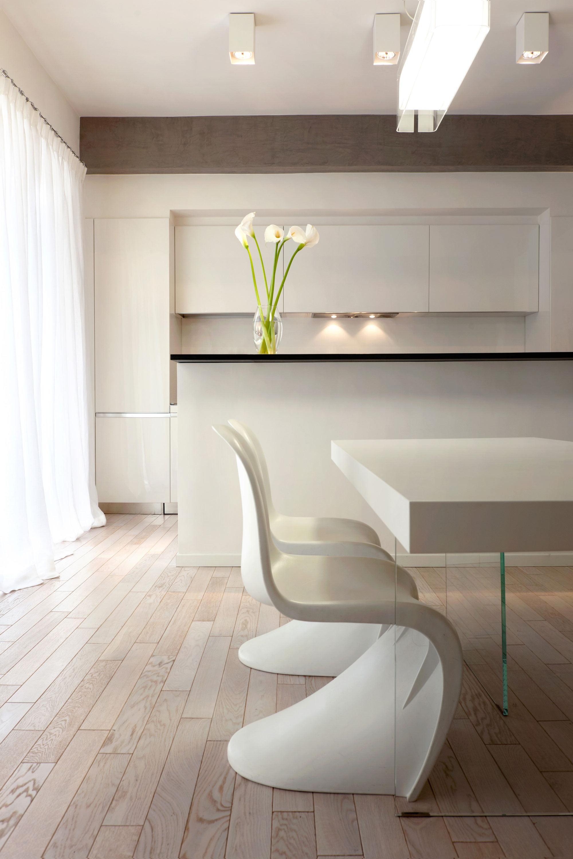 小户型装修设计_清新与夸张并存的小型公寓
