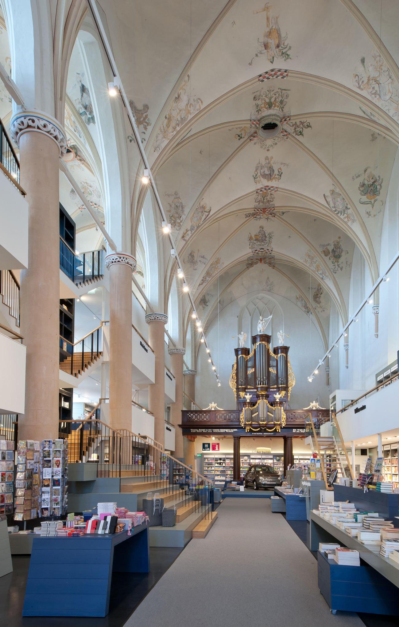 书店店面装修效果图_欧式建筑的文化底蕴图片