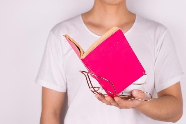 任性 让你一边吃饭一边看书