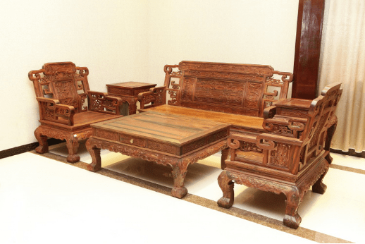 中山红木家具沿袭中国传统家具特色,具有浓郁的民族文化风味.