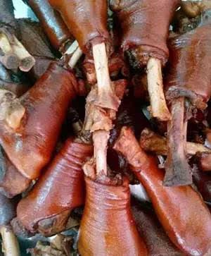 夏天吃狗肉的好处_常吃狗肉的玉林侬都知道,狗肉里面最美味是: 夏天夜里,气温逐渐下降