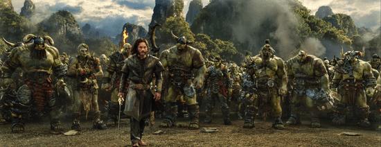 《魔兽》电影美国票房不尽人意 首日票房仅1070万的照片 - 2