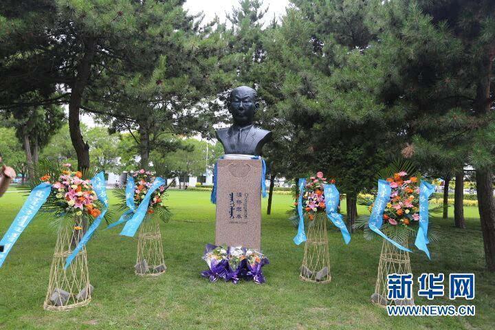 中国现代蒙古学奠基人清格尔泰雕塑在内蒙古大学落成