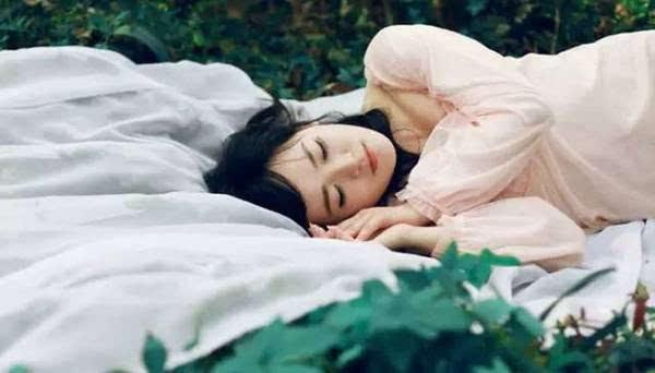 夫妻这种睡姿竟能旺夫 看看你们睡对了吗