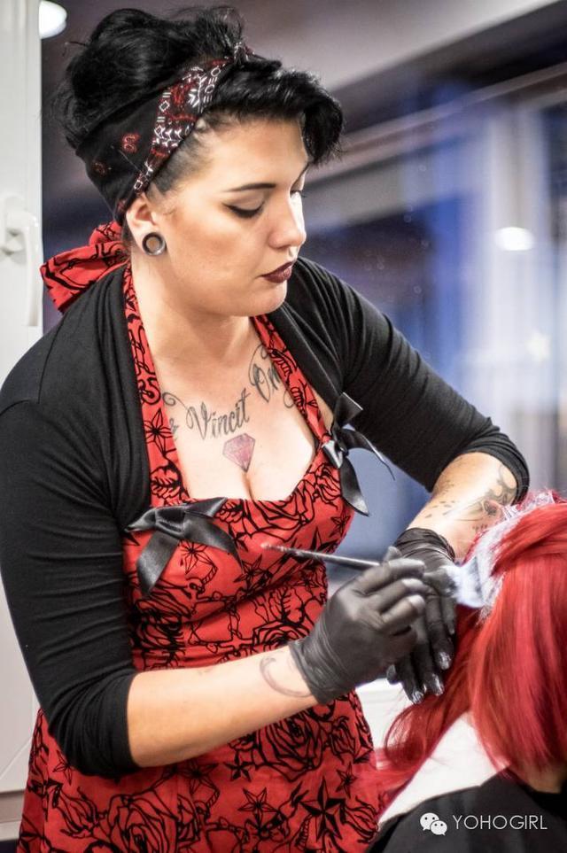 男生爱得要死的美式理发也是女生潮流,不过女生理发师