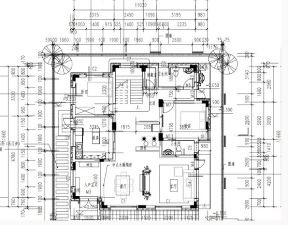其它 正文  三楼上部,尖坡屋顶的阁楼设备间内部,局部特写.