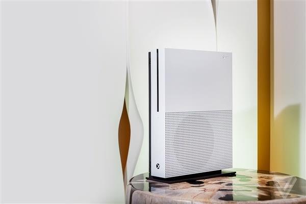 Xbox One S真机上手:体积缩小40%的照片 - 3