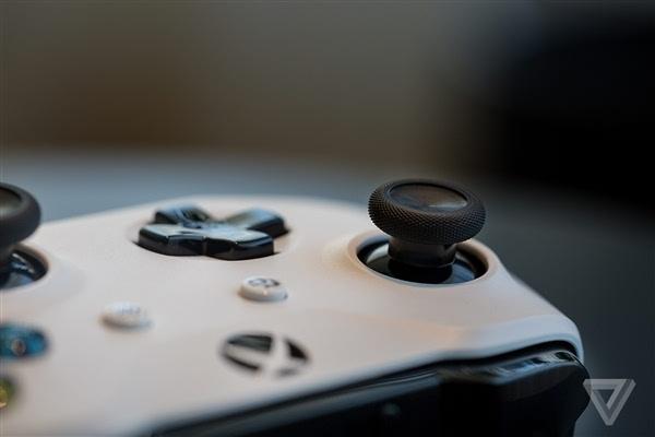 Xbox One S真机上手:体积缩小40%的照片 - 9