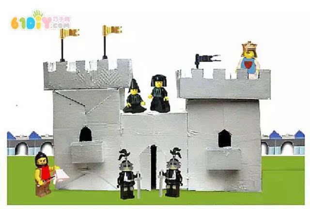其它 正文  儿童手工 废纸盒纸筒制作城堡 手工材料:废纸盒,卷纸芯,卡