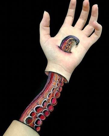 看到惊呆!人体彩绘艺术竟然把手臂变成了这样(组图)