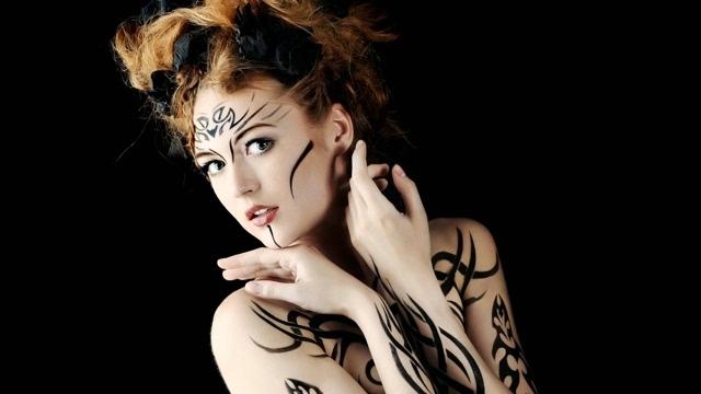 根人体艺术_欧美美女性感人体艺术彩绘图集电脑壁纸