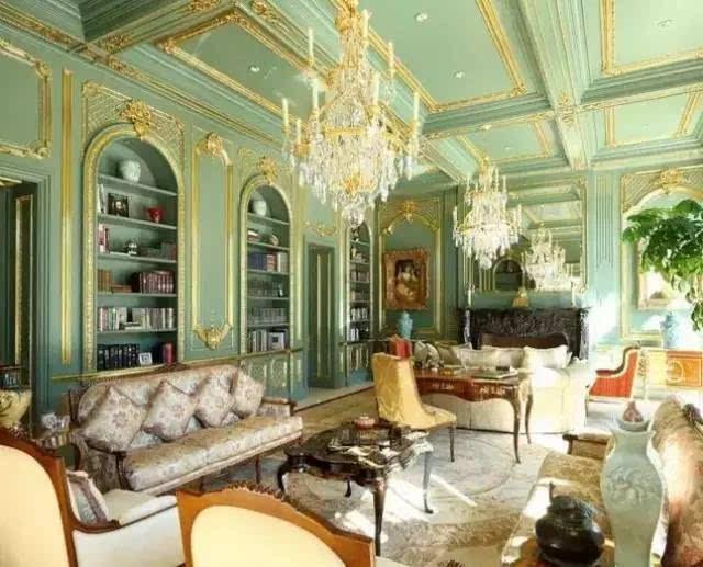 对于一座豪宅来说,没有奢华大理石与旋转楼梯的设计,它的概念就会被