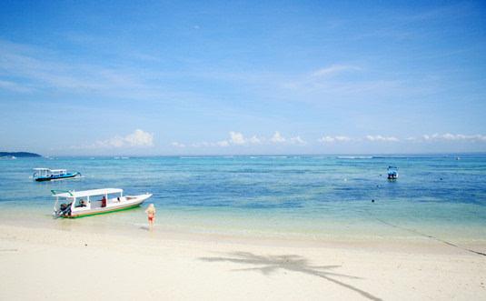 唯美蓝色大海图片 找个人陪你一起去看海
