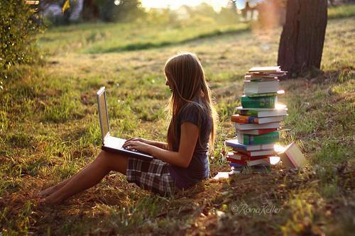 读书唯美女生图片 爱读书的女人最美丽图片