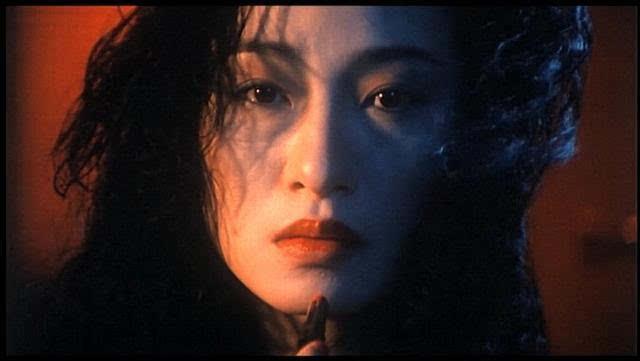 而今天萌神木木就要带各位来盘点一下,香港影坛的十大经典鬼片,排名分