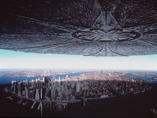 《独立日2》大场面曝光:一言不合灭地球的照片 - 1